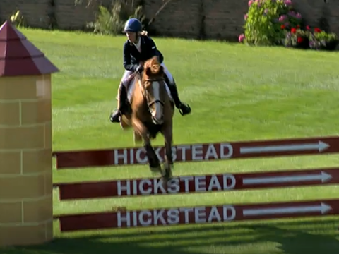 Leesa Long wins the Harcour Hickstead RIHS Amateur Championship